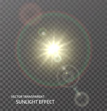 Transparente Sonne des Vektors, Sonnenlicht mit Strahlen Lichteffekt des Glühens Lizenzfreies Stockfoto
