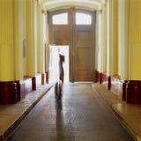Transparenter furchtsamer Geist des Schattengebäude-Geheimnisses stockbilder