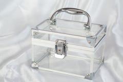 Transparenter Kasten mit Chromdetails Lizenzfreies Stockfoto