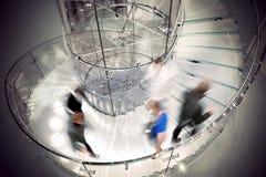 Transparentes gewundenes Treppenhaus Stockbild
