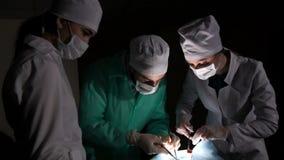 Transplantação ilegal dos órgãos vídeos de arquivo