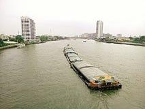 Transport auf Fluss in Thailand Lizenzfreie Stockbilder