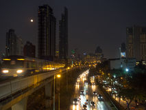 Transport in Bangkok-Nacht Lizenzfreies Stockbild