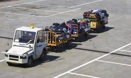 Transport de bagage à l'aéroport Photos stock