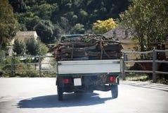 Transport de bois de construction images libres de droits