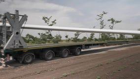Transport de lames de turbine de turbines de vent banque de vidéos