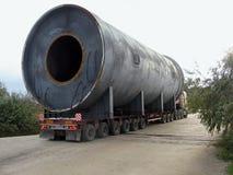 Transport der übergroßen Fracht Stockbild