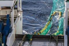 Transport des filets de pêche de chalut à panneaux Photo stock