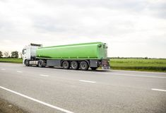 Transport des liquides inflammables Images stock