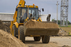 Transport du sable peu de camions de but Images libres de droits