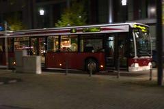 transport en commun local dans la ville historique de l'Allemagne du sud à OC photographie stock