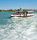 Transport en commun sur la lagune de Venise Photographie stock libre de droits