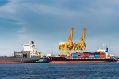 Transport et terminal de expédition d'embarcadère de logistique , Importation de conteneur et exportation du transport de fret ma photos stock