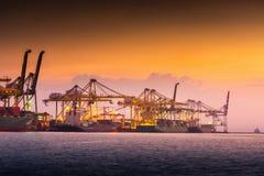 Transport et terminal de expédition d'embarcadère de logistique , Importation de conteneur et exportation du transport de fret ma images libres de droits