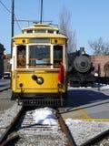Transport: historisches gelbes Laufkatzeauto Stockbilder