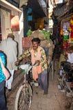 Transport i Varanasi Arkivbilder