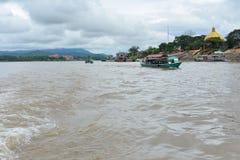 Transport le Mekong de l'eau Image stock