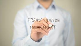 Transport-Management, Mann-Schreiben auf transparentem Schirm Lizenzfreie Stockfotos