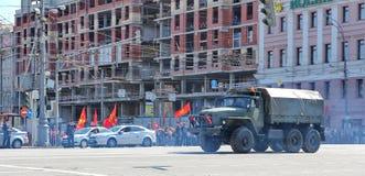 Transport militaire sur son chemin arrière après Victory Day Parade Photos libres de droits