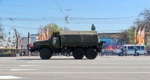 Transport militaire sur son chemin arrière après Victory Day Parade Photo stock
