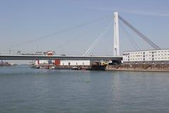 Transport na rzecznym Rhine Zdjęcia Stock