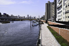 Transport in Sumida-Fluss, Japan Lizenzfreies Stockfoto