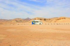 Transport Van in the desert Royalty Free Stock Images