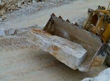Transport von Blöcken des weißen Steins Stockfotografie