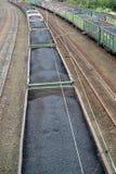 Transport węgiel w artykułów samochodach Zdjęcia Stock