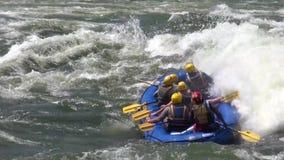 Transportando em águas ásperas o Nilo branco filme
