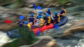 Transportando na corredeira do rio do sul do erro, Migiya Foto de Stock