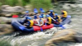 Transportando na corredeira do rio do sul do erro, Migiya Imagem de Stock