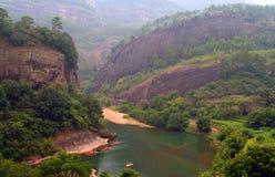 Transportant par radeau sur la rivière de neuf courbures, la Chine photos libres de droits