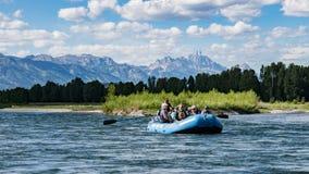 Transportar el río Snake en balsa en Wyoming Imagen de archivo