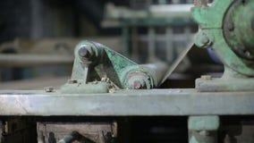Transportband bij een oude papierfabriek stock video