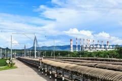 Transportband en Elektrische centrale Stock Fotografie