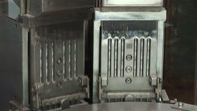 Transporte automático para produtos farmacêuticos (tabuletas, cápsulas) video estoque