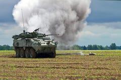 Transporte blindado de tropas imagen de archivo