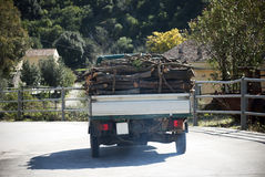 Transporte de la madera Imágenes de archivo libres de regalías