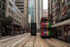 Transporte del autobús de dos plantas y de la tranvía en Hong Kong Fotografía de archivo libre de regalías