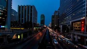 Transporte del buildingwith del paisaje urbano, lapso de tiempo almacen de metraje de vídeo