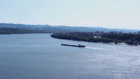 Transporte do barco de rio; vídeos de arquivo