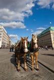Transporte do cavalo no quadrado de Pariser em Berlim imagem de stock royalty free