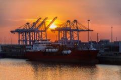 Transporte - envío - puesta del sol imagen de archivo