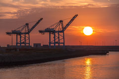 Transporte - envío - puesta del sol fotografía de archivo libre de regalías