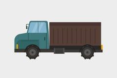 Transporte industrial del camión y del remolque de la maquinaria del equipamiento agrícola de la agricultura de la cosecha rural  Fotografía de archivo libre de regalías