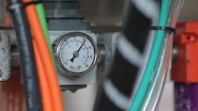 Transporte para latas de alumínio de enchimento Manômetro no transporte Contração muscular do calibre Fim acima filme
