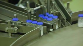 Transporte para a produção de equipamento médico vídeos de arquivo