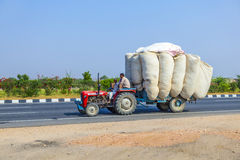 Transporte por carretera en la India imagenes de archivo