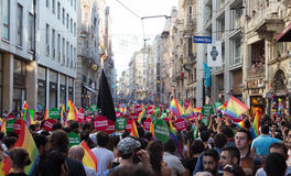 5 Transporte Pride March en Estambul foto de archivo